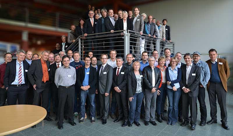 Gruppenbild der anwesenden CarSharing-Anbieter und ehemaligen Aktivisten nach Abschluss der Veranstaltung