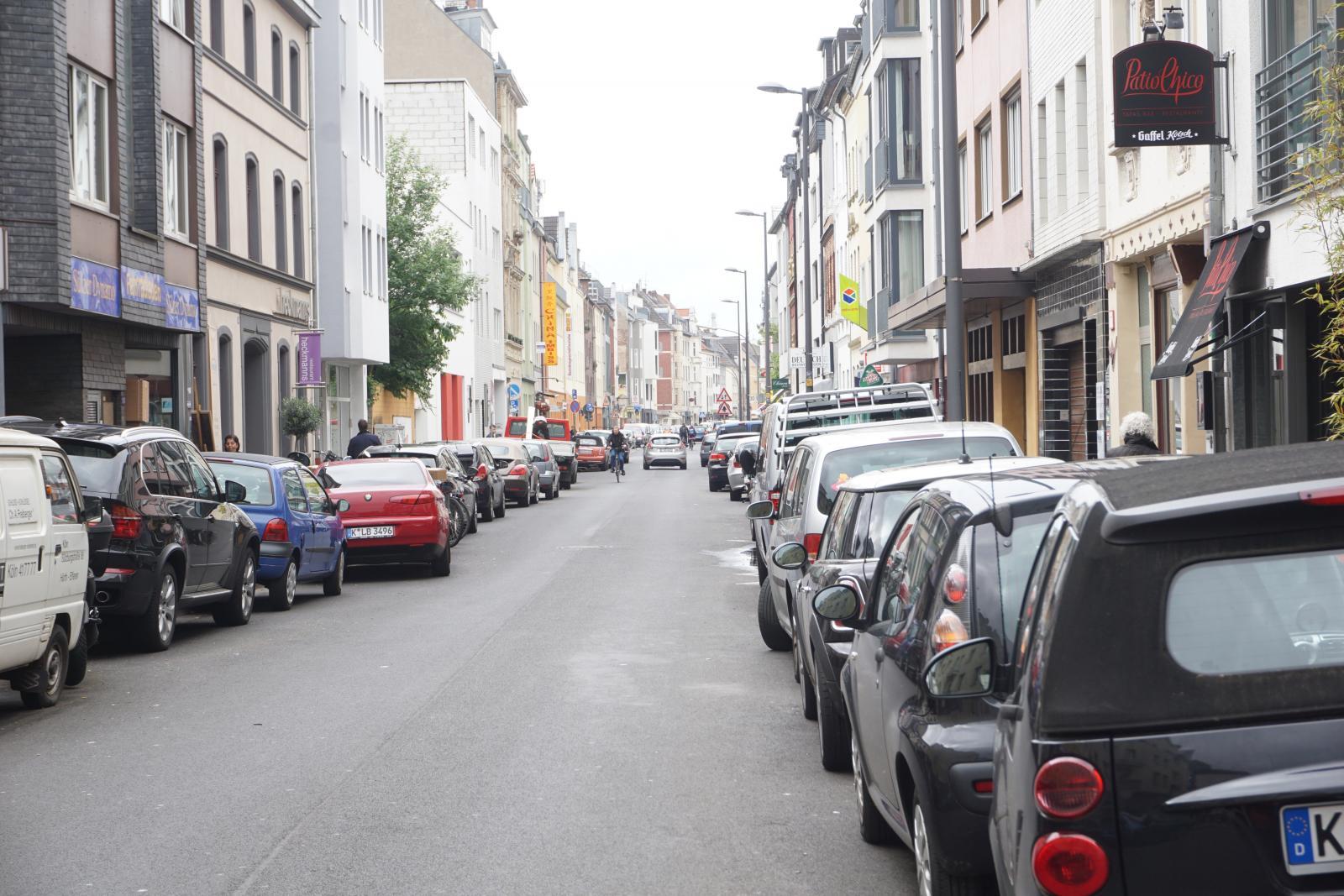 Typische Straßensituation in einem Untersuchungsgebiet (Bild: bcs)